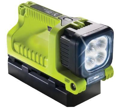 Handlampa Peli 9410 LED laddningsbar